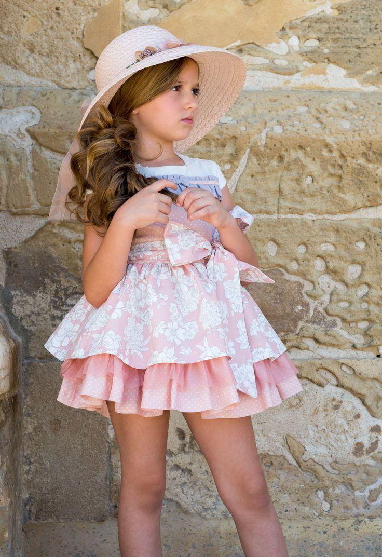 Buenos días!! Os dejamos con este maravilloso modelo! Good morning !! We leave you with this wonderful model! #nekenia #modainfantil #asepri #marcaespaña #hechoenespaña #extendamoda #medalladeoro #summer #newcollection