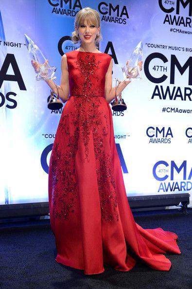 Taylor Swift - 47th Annual CMA Awards 2013 - CMA Pinnacle Award - November 06, 2013 - Press Room