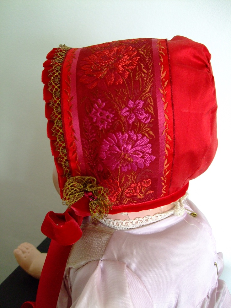 Christening bonnet