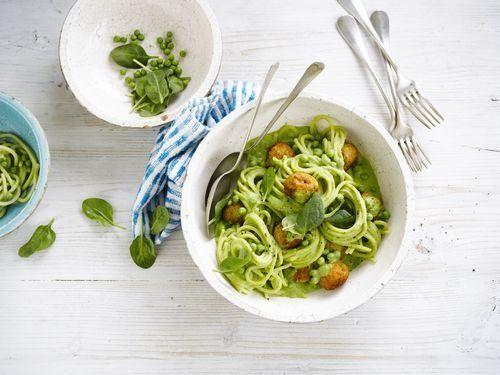 Groene pasta met gehaktballetjes