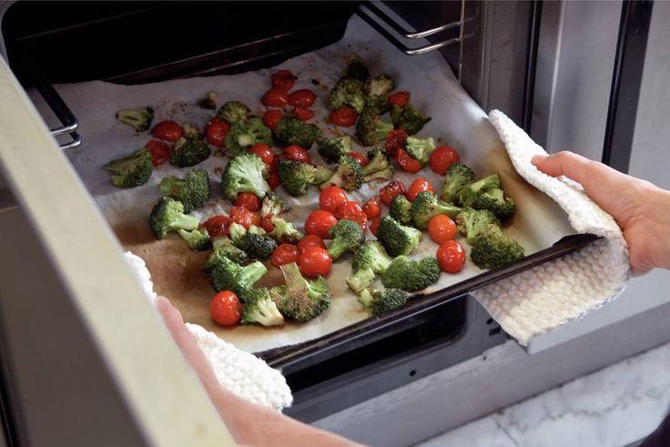 Kijk wat een lekker recept ik heb gevonden op Allerhande! Gegrilde broccoli met kerstomaatjes en balsamico