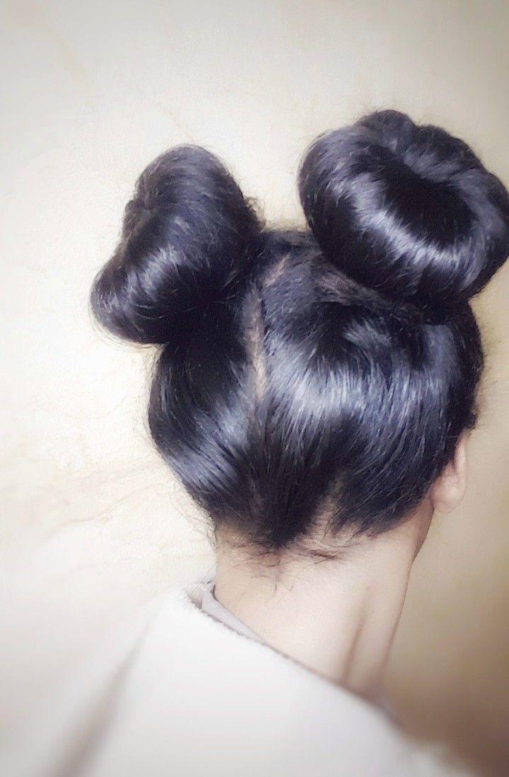 كعكة الشعر كعكتين الشعر تسريحة شعر الكعكتين Hair Style Hairstyle Bun Donut Double Buns Two Buns Hair Bun Beautiful Hairstyles تسريحات شعر جميلة تسر