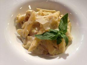 Reteta Laura Cosoi: Penne Quatro Formaggi - www.Foodstory.ro