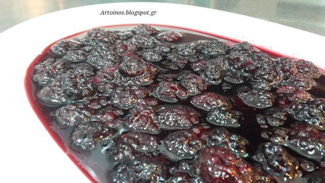 Τα φραμπουάζ (ή σμέουρα) , είναι τα ροζ μικροσκοπικά φρούτα της οικογένειας των βατόμουρων. Είναι ένα πολλά υποσχόμενο φρούτο με διατρ...
