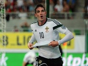 Northern Ireland striker Kyle Lafferty 'enters talks with Hearts'