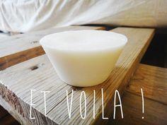 Déodorant naturel :  - 1 cuillère à soupe de miel - 8 cuillères à soupe de cire d'abeille râpée - 200 ml d'huile d'amande douce - 1/2 tasse d'eau de rose - 2 petits bocaux en verre propres et désinfectés