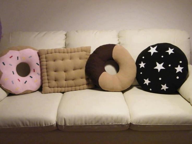 DIY col Pile - dolcissimi cuscini biscotto per chi ha un po' di manualità e tanta fantasia per il fai-da-te