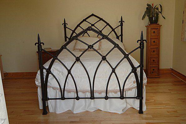 Les 25 meilleures id es concernant lit gothique sur pinterest meubles gothi - Les lits en fer forge ...