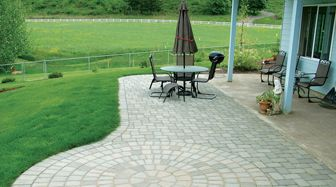 We specialize in paving and designing patios. As a part of patio paver installation, we offer concrete sets, natural stones and paving slabs for driveways and patios for your home.