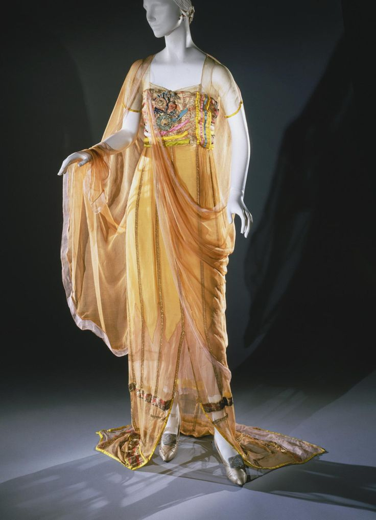 Harry Collins evening dress ca. 1921 From the Philadelphia Museum of Art