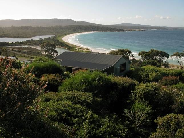 Dolphin Cottage (Wedge) | Binalong Bay, TAS | Accommodation