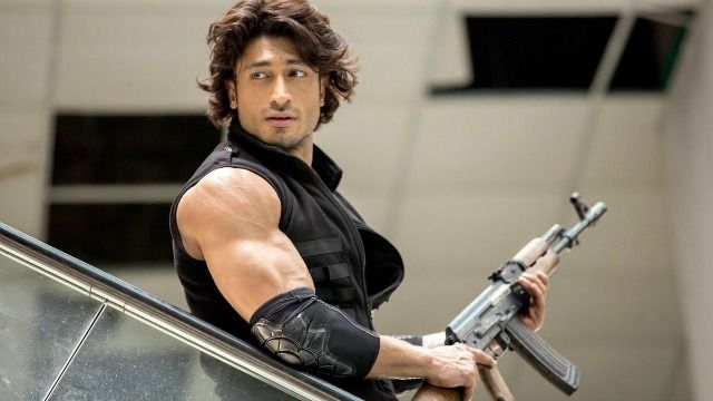 "Vidyut Jamwal and Adah Sharma-starrer ""Commando 2"" has been locked for release on January 6, next year.Vidyut took to Twitter to announce the release date."