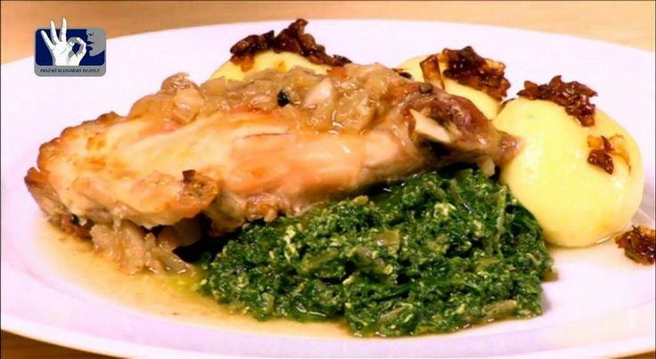 pečený králík bramborové knedlíky a špenát