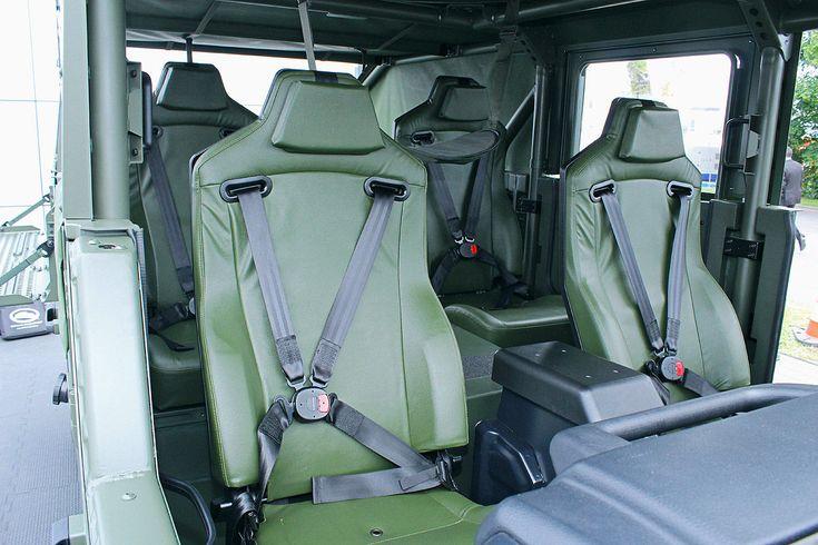 G-Klasse 6x6 und weitere Fahrzeuge für Spezialeinheiten