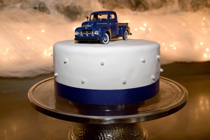 1952 Ford Truck Gentlemans Cake Rustic Vintage Wedding