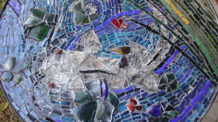 Bagrecito de plata. Mosaico de venecitas, mica y vidrio. Realizó Patricia Kandus 2016. Obsequi para Natalia Morandeira.