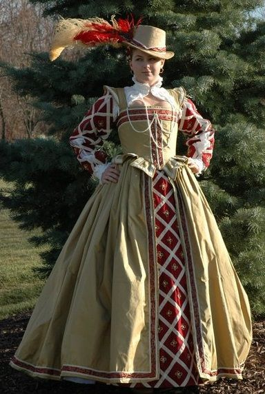 Elizabethan costume, color pattern, but in green and creme?