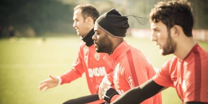 Situation cocasse à Angers: pour leur match de la 23e journée de L1, les Monégasques joueront avec leur maillot d'entraînement entièrement rouge.