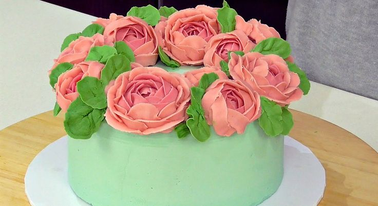 9 best Cakes with buttercream flowers images on Pinterest ...