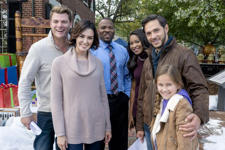 In this Hallmark Channel Original movie, one of the most famous actresses in the world heads to the Christmas-obsessed town of Homestead, Iowa, to shoot a holiday-themed movie. Stars Taylor Cole and Michael Rady.