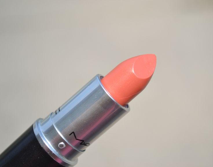 Peach-Coral Lips: MAC Cut A Caper