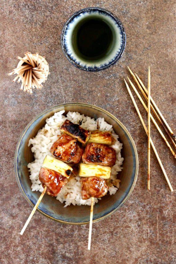 Brochettes yakitori poulet poireau pour faire comme au resto / nourriture japonaise