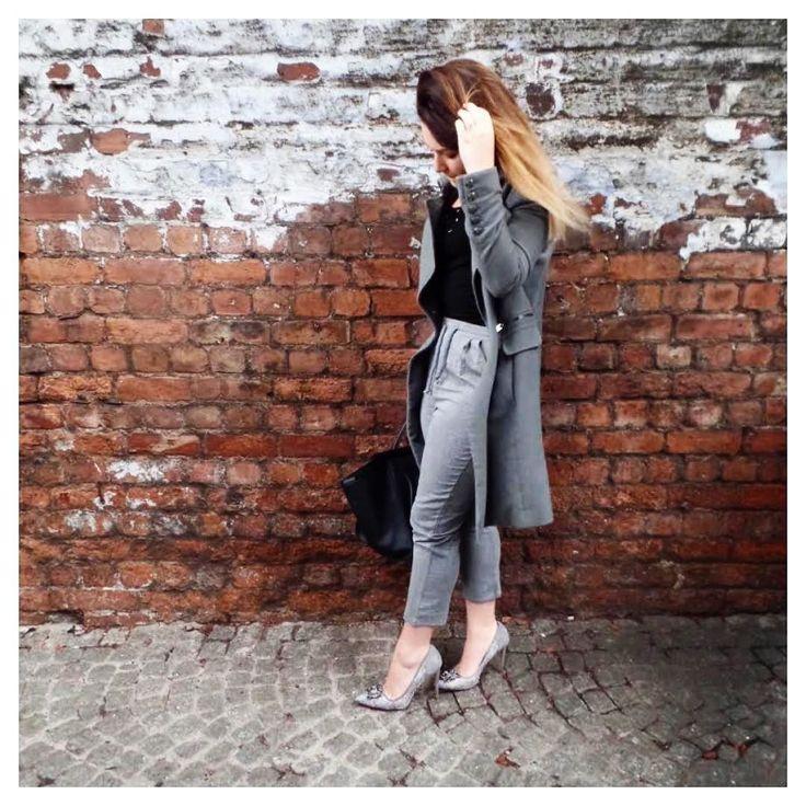 Follow me www.frankiebrady.com  #fblogger #fashion #manchester #sass #mango #prettylittlething #missselfridge #dunelondon #frankiebrady #ootd #castlefield by frankiebradyxx