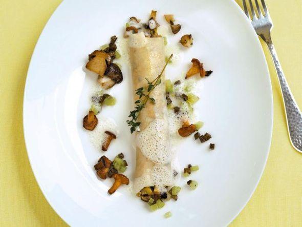 Pilz-Cannelloni mit Trüffel und Sellerieschaum