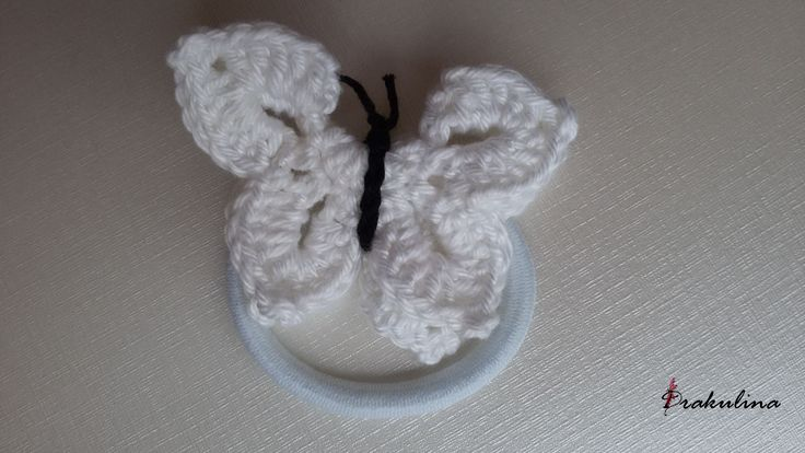 Horgolt pillangó hajgumi