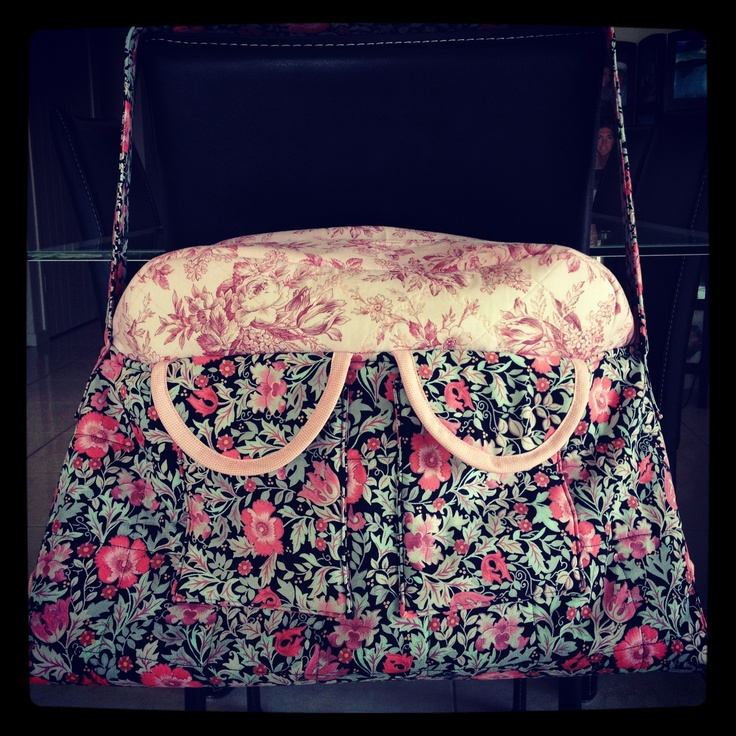My homemade nappy bag is finally finished!