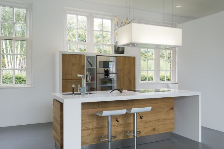 Houten Keuken Etagere : Houten keuken van ruw eiken met Corian keukenblad en