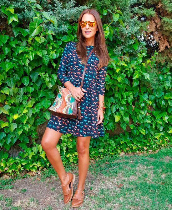 Copia este look de Paula Echevarría Oficial con vestido de DOLORES PROMESAS, gafas de sol de Hawkers Co. y zapatos de Krack.  #Modalia | http://www.modalia.es/celebrities/8535-paula-echevarria-marcas.html  #paulaechevarria #dolorespromesas #kawkers #krack