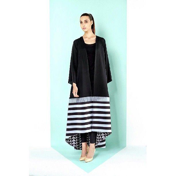 Bleach striped abaya