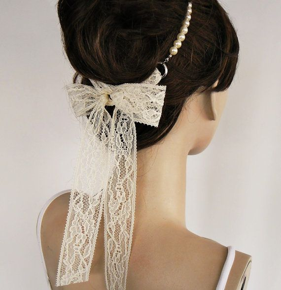 Pearl and Lace Headband. Ok. this is Darling.....CLAIRE!!!!