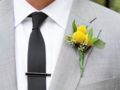 бутоньерка-жениха-яркая-летняя-желтая