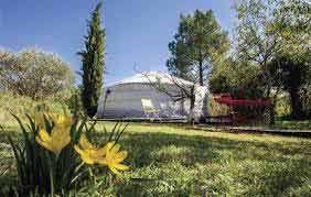yourte des Chambres d'hôtes et cabane à vendre à 10mn des Gorges de l'Ardèche dans le Gard