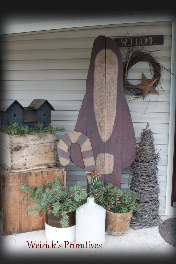 378 best come gather on the porch images on pinterest for Country christmas decorations for front porch