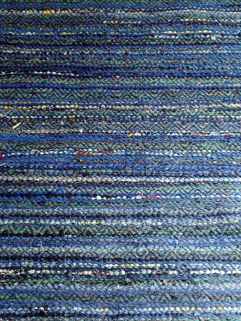Blue rug by imcarmel, via Flickr, double rosepath threading, pick of black rug warp in between rag picks