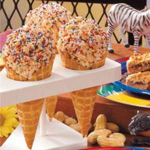 Ice Cream Cone Rice Crispy Treats- a less messy way to enjoy rice crispies in the classroom