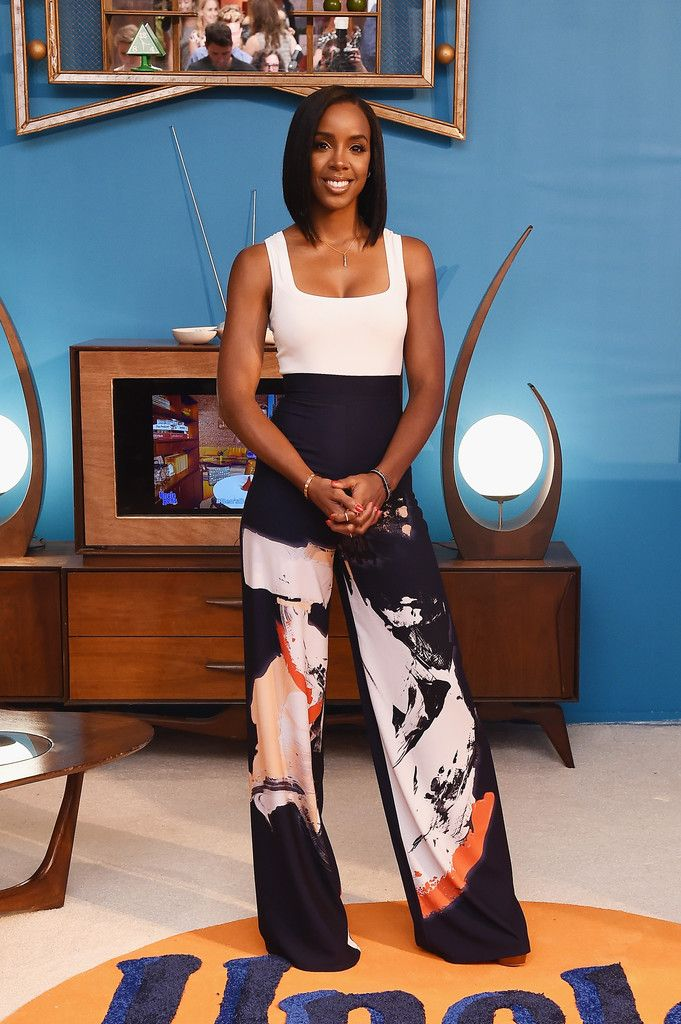 Kelly Rowland Tank Top - Kelly Rowland teamed her chic pants with a simple white…