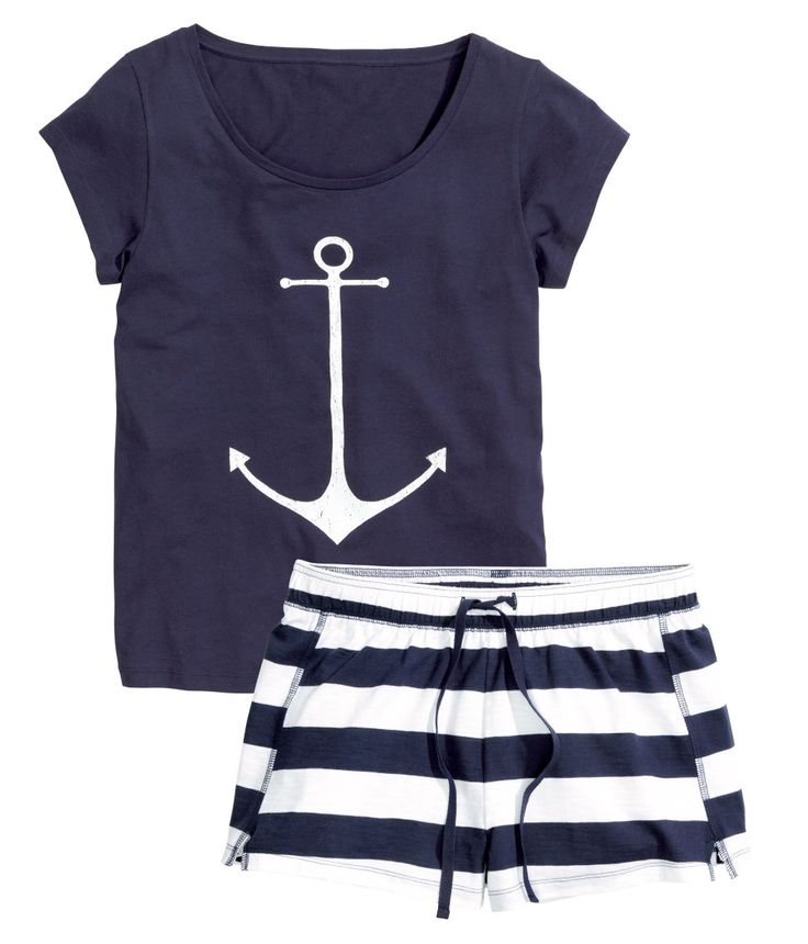 It's anchors away with this nautical blue & white pajama set. | H&M Nightwear