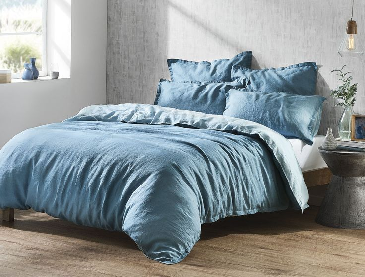 Simple and contemporary, the Veneto Teal linen quilt cover features complementary front and reverse hues for a fully reversible and versatile quilt cover. Woven using the finest French flax, Veneto is pre-washed for a beautiful softness and relaxed look.