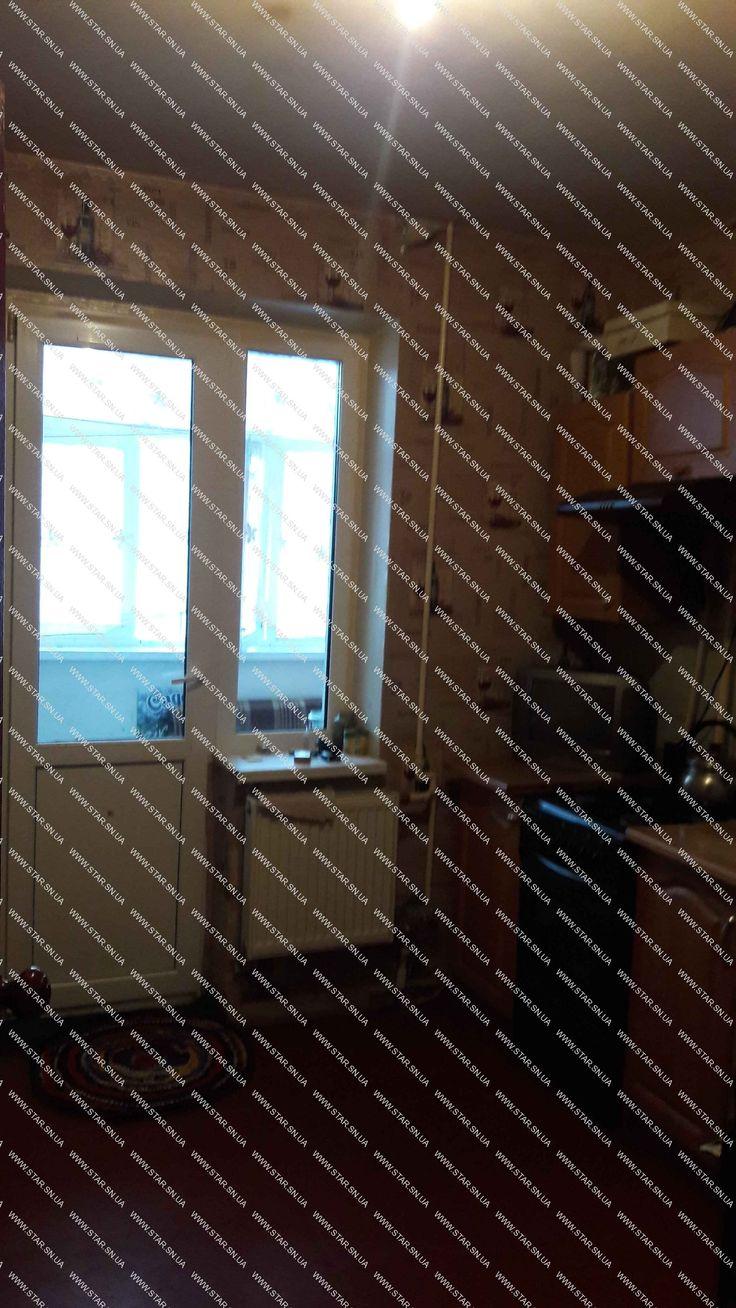 Продам 1-комн.кв. 6/9 пан., 40 м2, ул. Пухова, ЧН серии, кухня 9м2, лоджия застеклена с выходом из кухни и зала. В хорошем состоянии: - установлены металлопластиковые окна, выходят во двор, - новая входная дверь, - в ванной кафель, новая сантехника и трубы, - в квартире счетчики на холодную и горячую воду, на подъезд - счетчик тепла, что позволяет экономить на коммунальных платежах, - заменены батареи, - выровнены потолки, - тамбур на две квартиры, что создает дополнительное удобство. П...