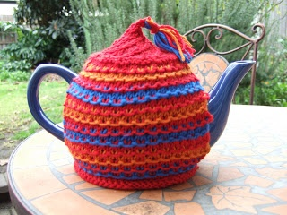 Year of Finishing Off: Tea cosy world
