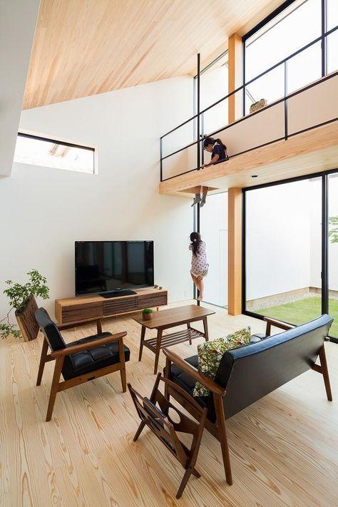 専門家:Takuya Hasegawaが手掛けた、キャットウォークと滑り棒のあるリビング 1(空を囲む家)の詳細ページ。新築戸建、リフォーム、リノベーションの事例多数、SUVACO(スバコ)
