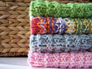 This dishcloth pattern is super simple, easily memorized and reversible. Essential qualities in my dishcloth world. Enjoy!