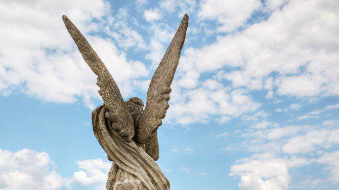Andělský deník: Jak zvládnout a překonat obavy vašeho ega při komunikaci s anděly