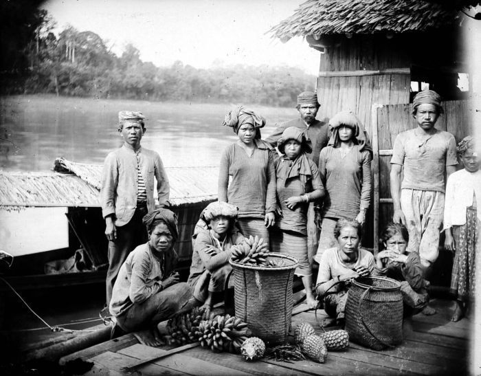 Dayak Barito tribe, Kalimantan. Indonesia