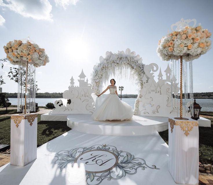 Самая сказочная свадьба этого сезона Организация @russkie_sezony  Декор и…