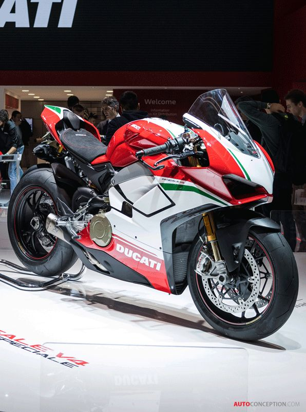 Ducati Panigale V4 at the 2017 EICMA show